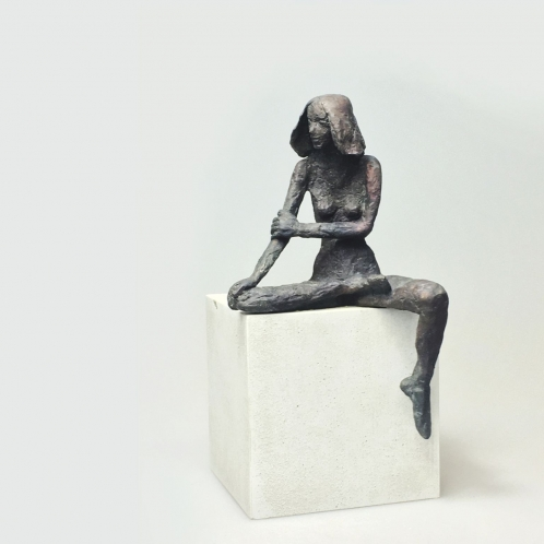 Sitzendes Mädchen XIV