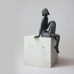 Sitzendes Mädchen IX