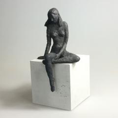 Sitzendes Mädchen XIII